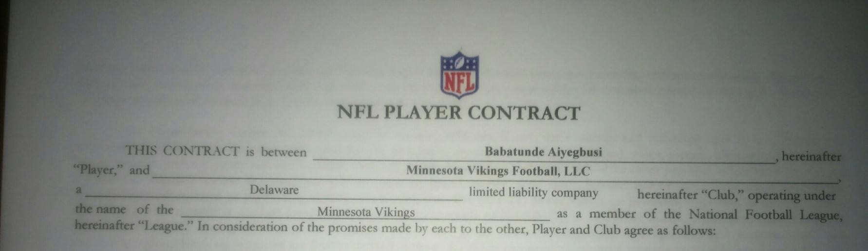 Fotka hráčského kontraktu. Zdroj: Facebook Babs Futbolowo